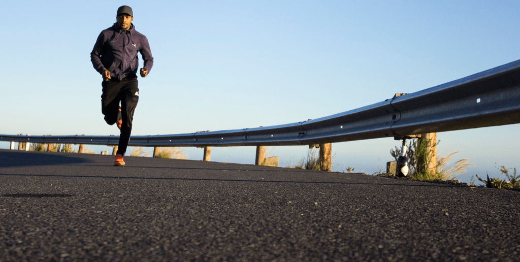 Content-Fotos_Small_0042_photo-of-man-running-during-daytime-2803158